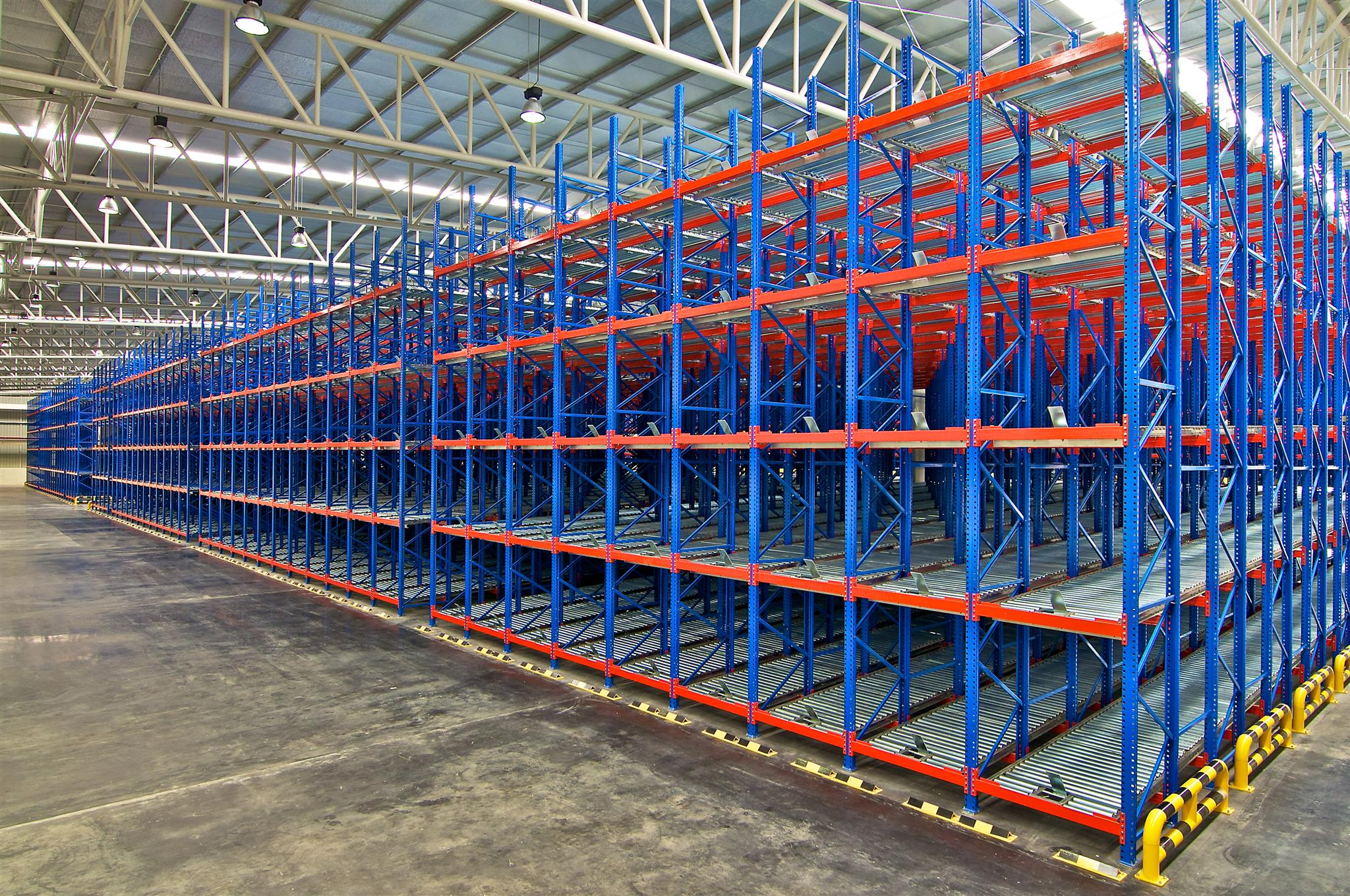 Advantages of Industrial Metal Shelving - Everything Warehouse